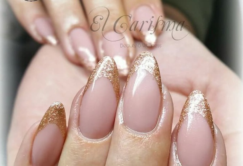 rosa goldenes Nageldesign